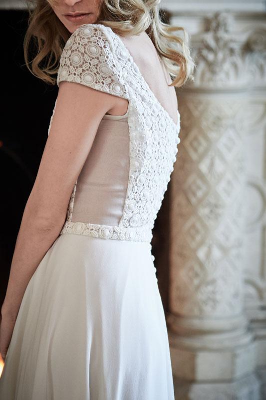 Robe de mariée made in France, Guipure de calais géométrique, organza et crêpe de soie